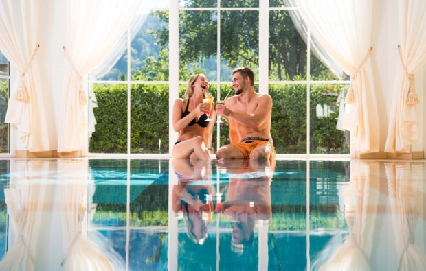 wellness-wochenende-deluxe-ruhpolding-pool