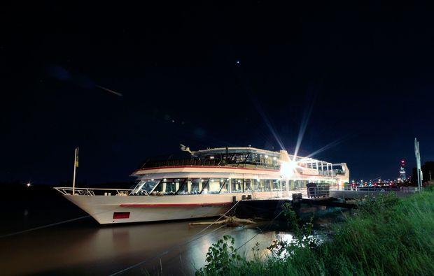 krimi-und-dinner-linz-schiff-donau