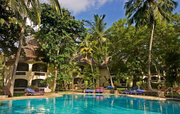 erlebnisreise-bamburi-kenia-kisima-pool