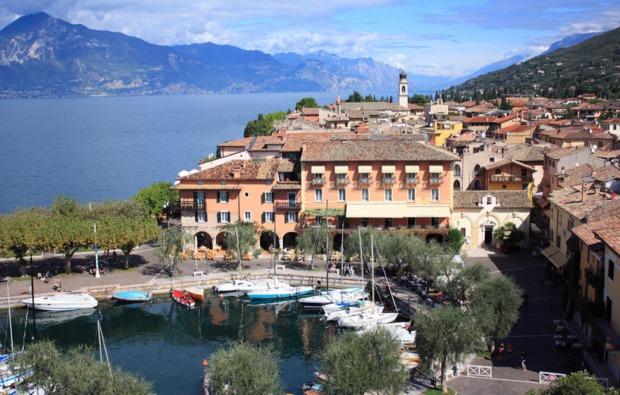 erlebnisreisen-torri-del-benaco-hotel-am-see
