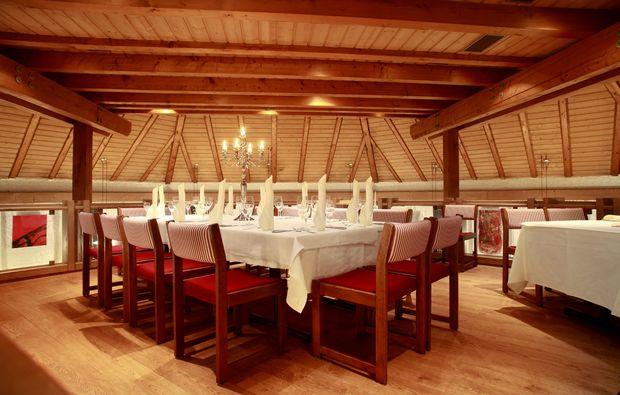 candle-light-dinner-fuer-zwei-voehringen-romantik