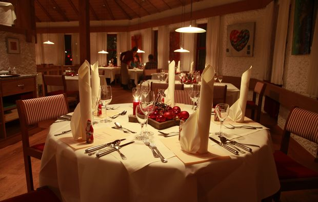 candle-light-dinner-fuer-zwei-voehringen-romantisch
