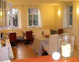2-zauberhafte-unterkunft-hotel-garni-weserlounge-kleinenwieden