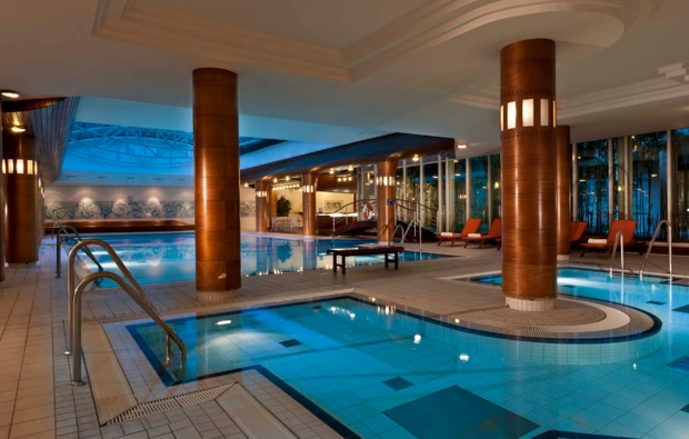 wellness-wochenende-radebeul-schwimmbad