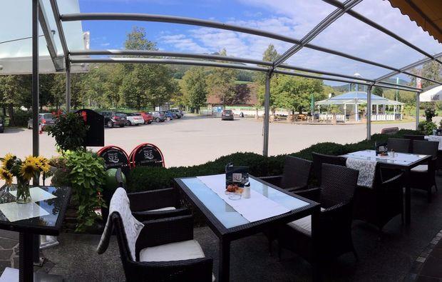 romantikwochenende-stubenberg-terrasse