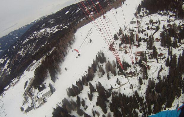 gleitschirm-winter-tandemflug-15-minuten-fliegen-im-winter