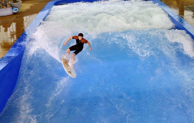 bodyflying-indoor-surfen-muenchen-welle