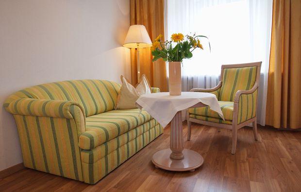schlemmen-traeumen-steyr-sofa