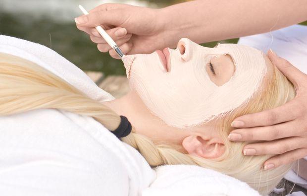 wellnesstag-fuer-sie-loipersdorf-bei-fuerstenfeld-maske