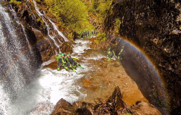 abenteuer-wochenende-inkl-rafting-tour-spass-mit-freunden-canyoning-haiming