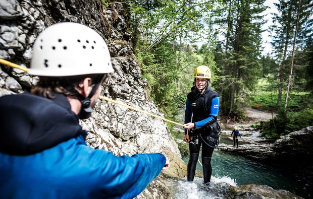 canyoning-tour-hirschegg-teamwork