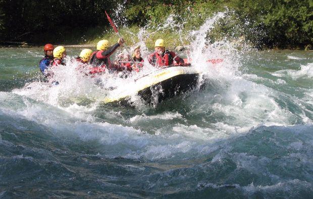 rafting-wochenende-mayrhofen-schlauchboot