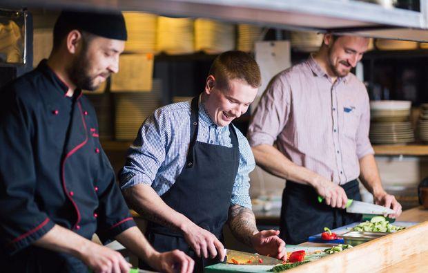 meeresfruechte-fisch-kochkurs-wien-zubereitung