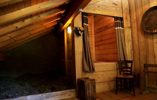 bois-uebernachtung-heu-la-chapelle-aux