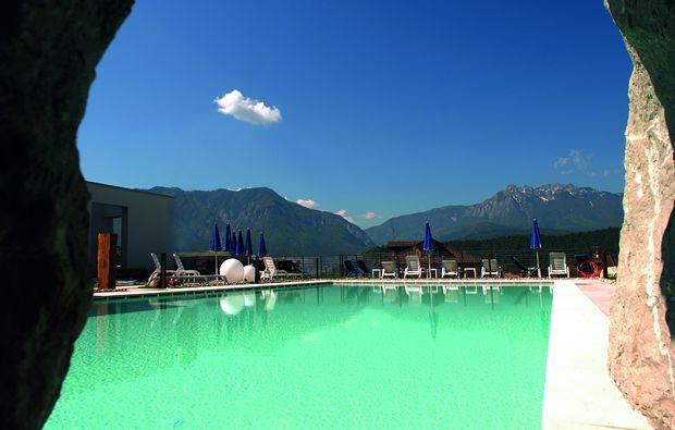 wellnesshotels-levico-terme-schwimmbad