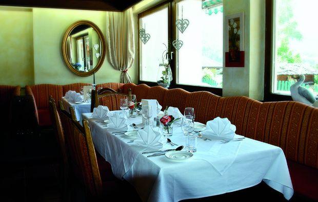 zauberhafte-unterkuenfte-fulpmes-dinner
