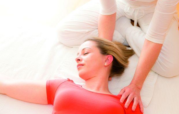 shiatsu-massage-wien-behandlung