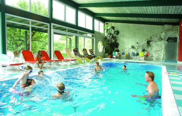 wellnesshotels-flattach-schwimmbad