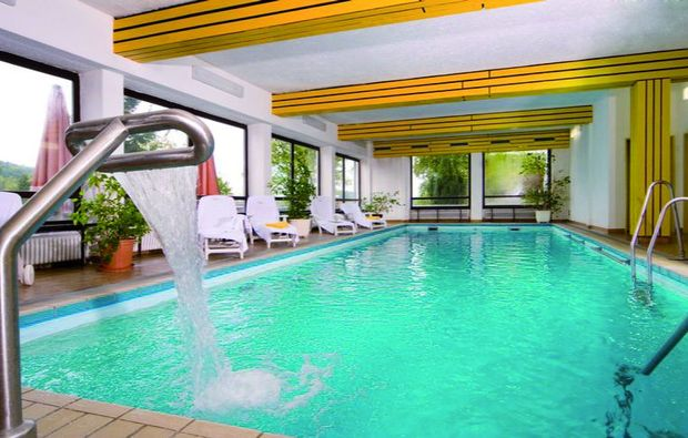kurzurlaub-thurmansbang-swimming-pool