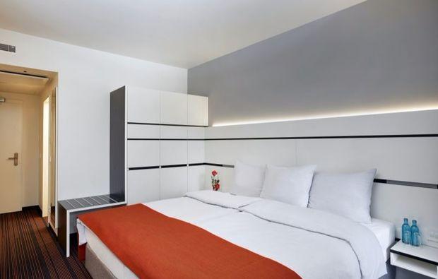 romantikwochenende-hamburg-hotelzimmer