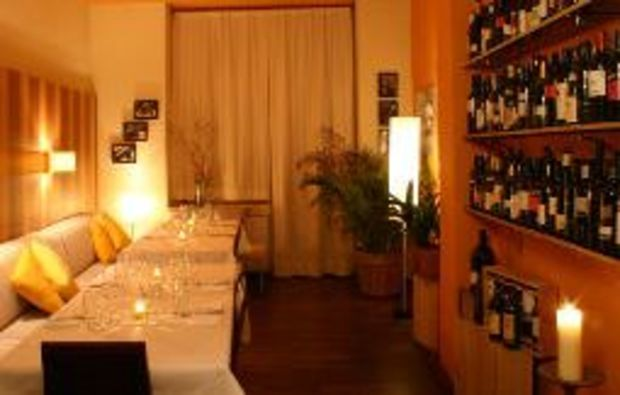 candle light dinner kutschker 44 in wien mydays. Black Bedroom Furniture Sets. Home Design Ideas