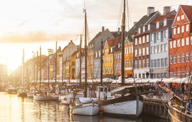 mini-kreuzfahrt-fuer-zwei-norwegen-hafen