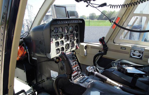 hubschrauber-selber-fliegen-kempten-durach-steuer