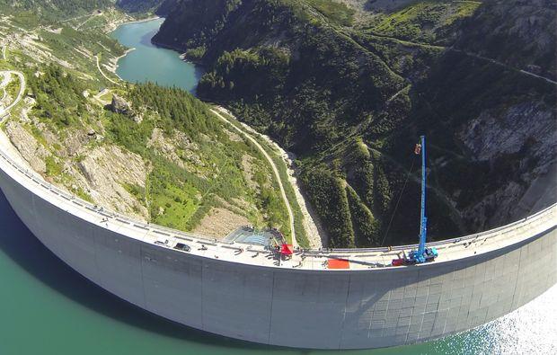 bungee-jumping-koelnbreinsperre-im-maltatal-aussicht