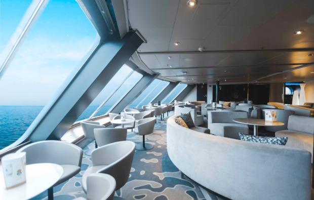 mini-kreuzfahrt-deluxe-helsinki-stockholm-lounge