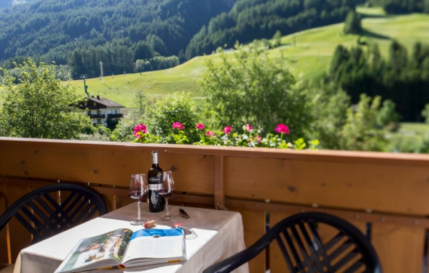 urlaub-mit-hund-steinhaus-im-ahrntal-balkon