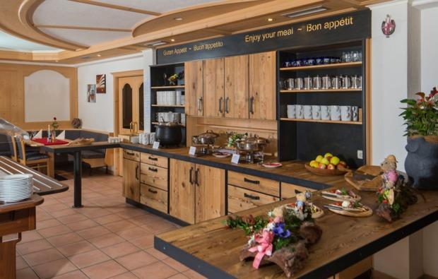 urlaub-mit-hund-steinhaus-im-ahrntal-buffet