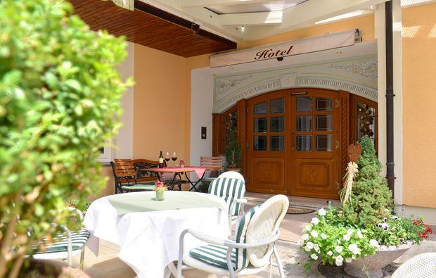 kurzurlaub-altenkunstadt-terrasse1480066643