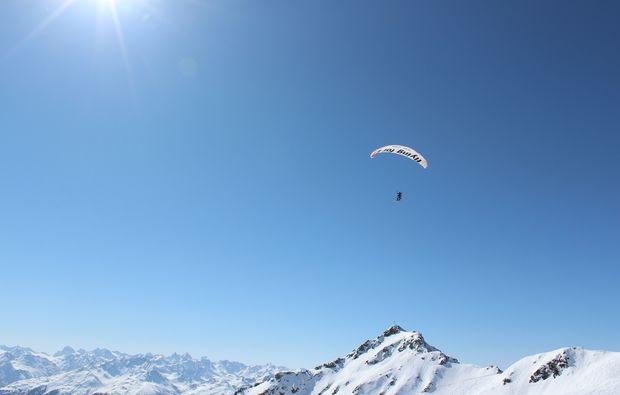 schruns-gleitschirm-tandemflug-montafon-berge
