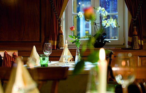 gourmetrestaurant strasserwirt in salzburg mydays. Black Bedroom Furniture Sets. Home Design Ideas