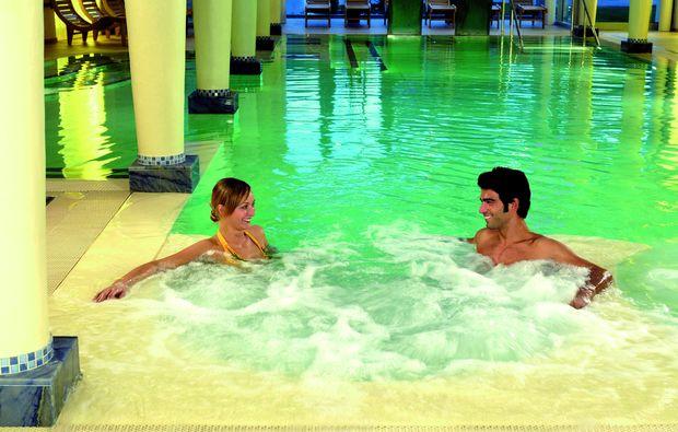 wellness-wochenende-deluxe-fratta-terme-di-bertinoro-fc-schwimmen