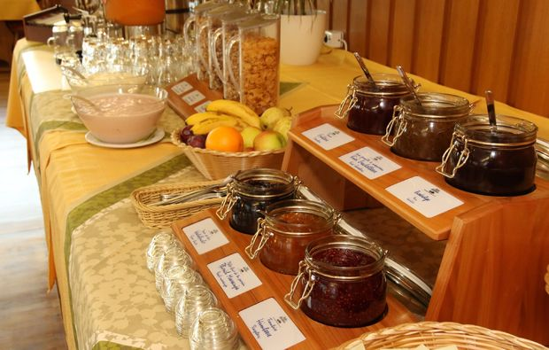 romantikwochenende-bernau-im-schwarzwald-buffet