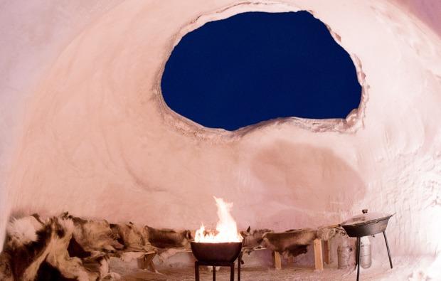 uebernachtung-im-iglu-arjeplog-feuerstelle