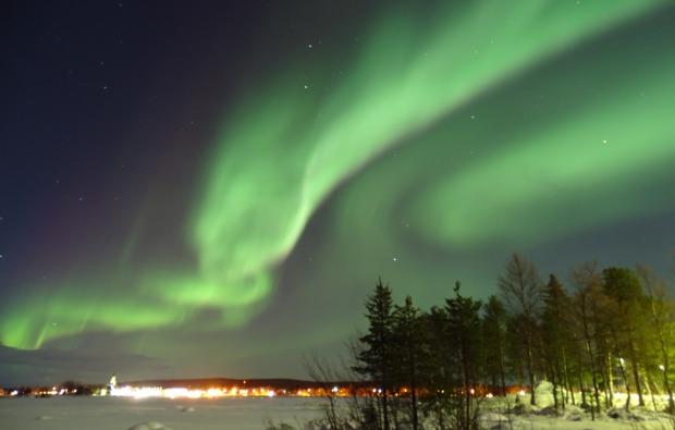 uebernachtung-im-iglu-arjeplog-polarlicht