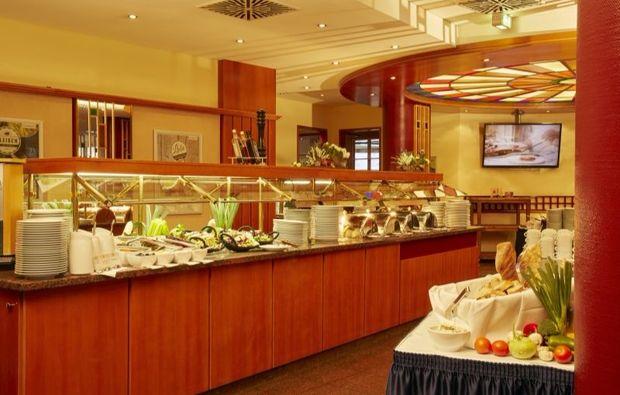 romantikwochenende-leipzig-buffet