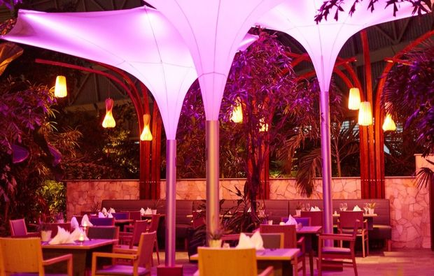 therme-berlin-restaurant-tropical