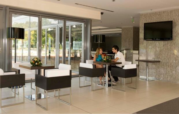 staedtereise-budapest-hotel-lobby