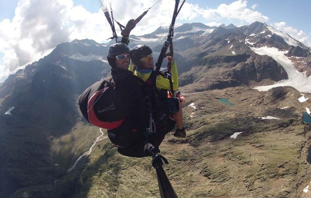 gleitschirm-tandemflug-meransen-fliegen