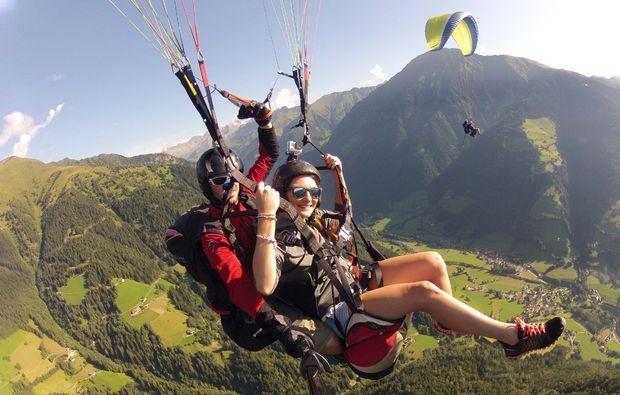 gleitschirm-tandemflug-meransen-panorama