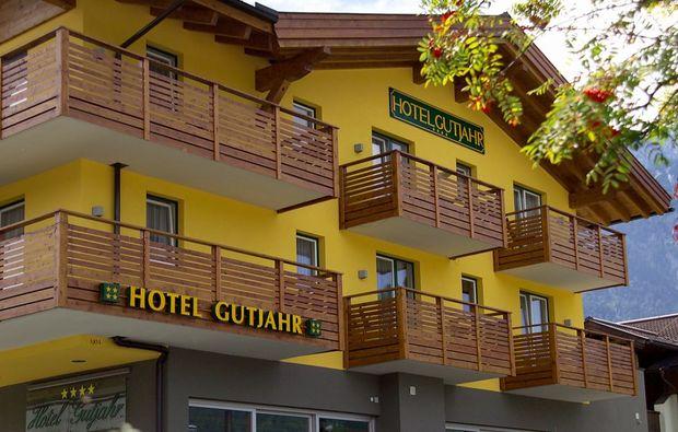 almhuetten-berghotels-abtenau