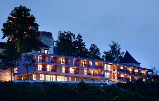 kurzurlaub-bad-kreuzen-hotel