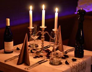 Lustige geschenke candle light dinner