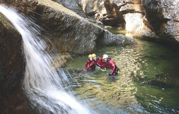 canyoning-tour-ebenau-team-sport