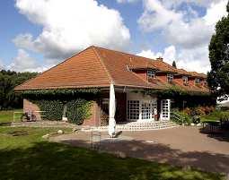 2-zauberhafte-unterkunft-hotel-an-der-seepromenade-mirow