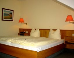 9-zauberhafte-unterkunft-hotel-an-der-seepromenade-mirow