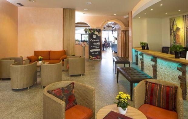 romantikwochenende-locarno-lobby
